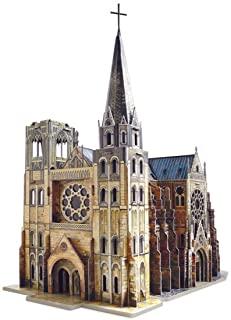 Maqueta en cartón de catedral gótica